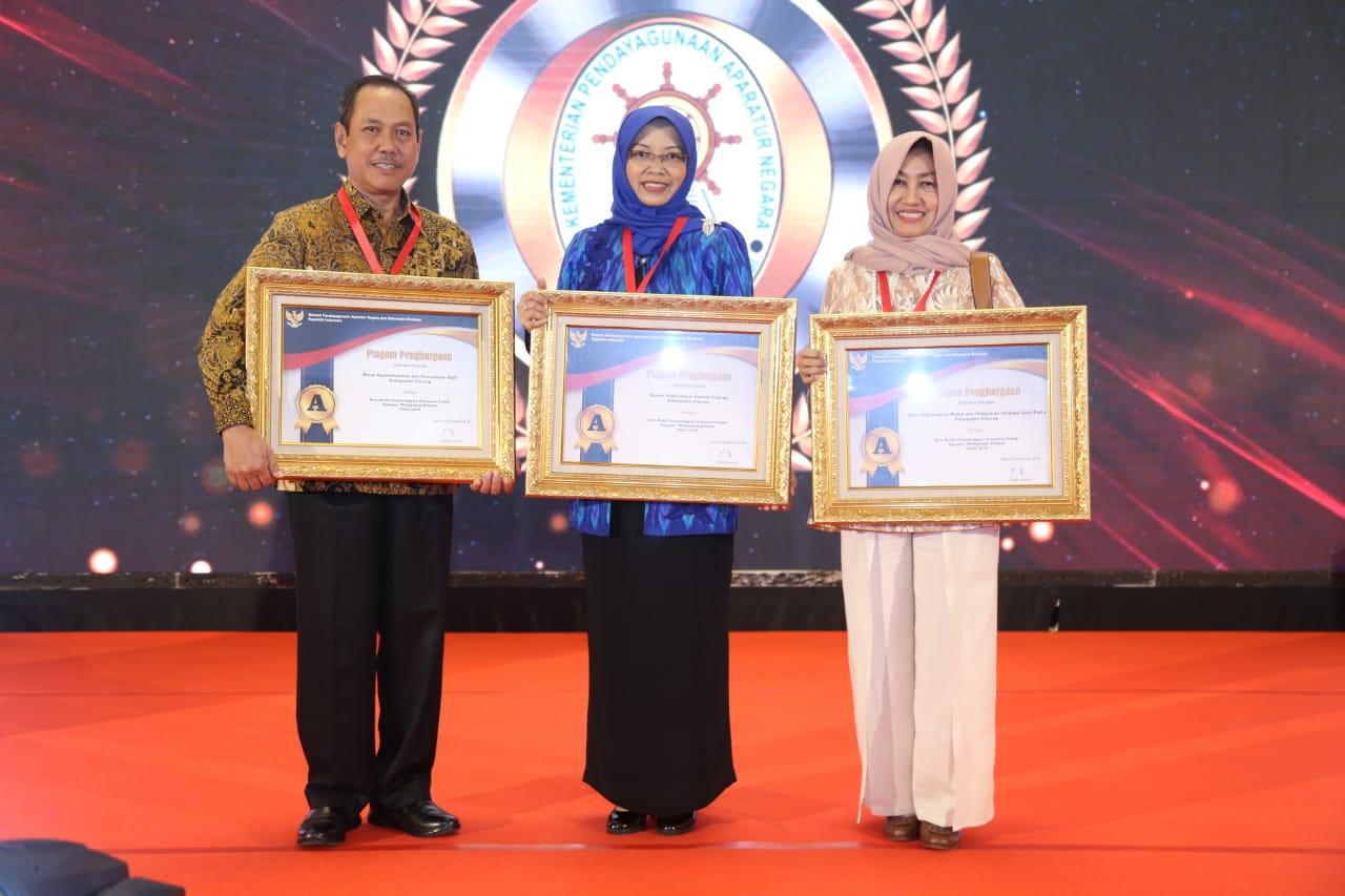 Membanggakan, DPMPTSP Cilacap Raih Penghargaan Pelayanan Prima Tahun 2019